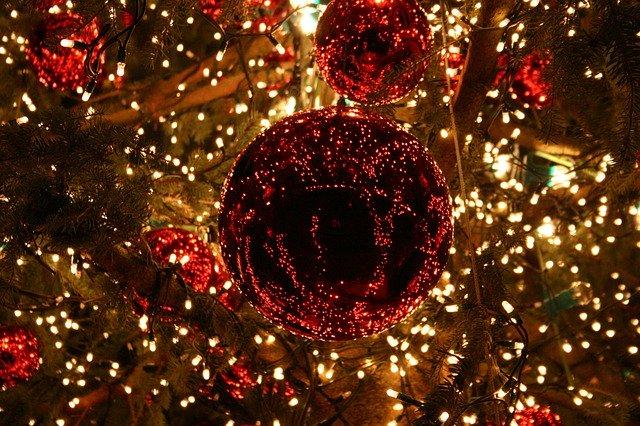 Ne jetez plus vos anciennes décorations de Noël !